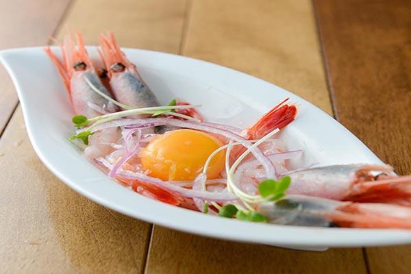 鮮魚と海老のお造り