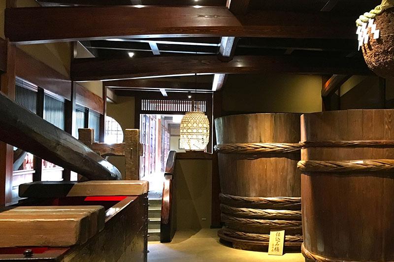 日本国内色々な場所に行き、そこにある新しいものや昔からある素晴らしいお店などを視察に行く機会を定期的に開催しております。